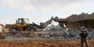 رام الله: الاحتلال يهدم 4 محال تجارية قيد الإنشاء في دير قديس